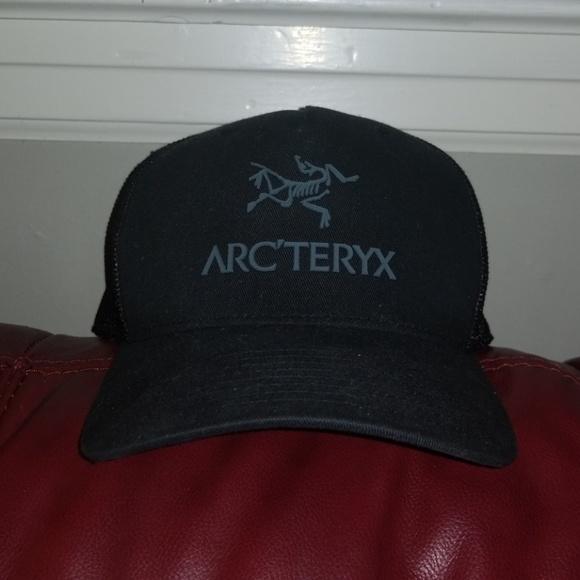 7d1205d749c Arc teryx Other - Arc Teryx black trucker hat
